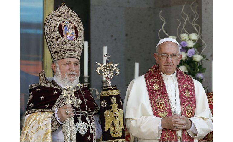 Papa defiende mencionar la palabra genocidio en Armenia