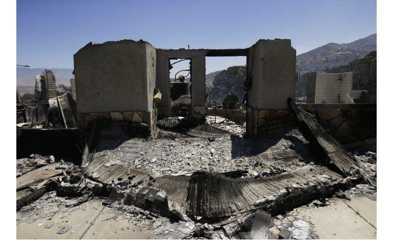 Incendios queman 200 casas en California