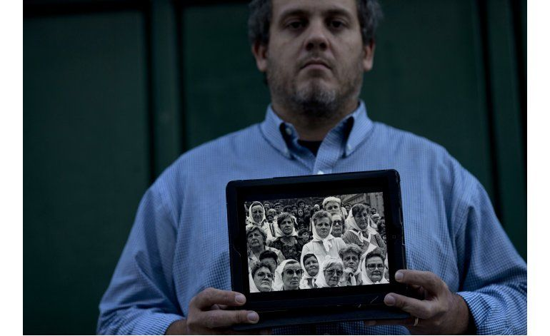 Chicos robados en dictadura luchan por aceptar su identidad
