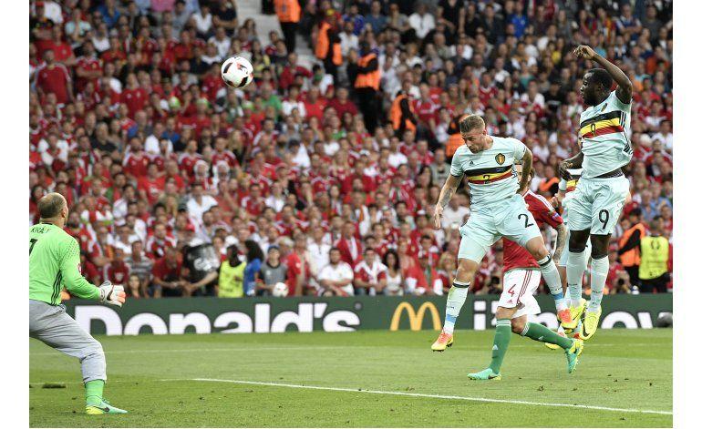 Hazard se florea y Bélgica golea a Hungría