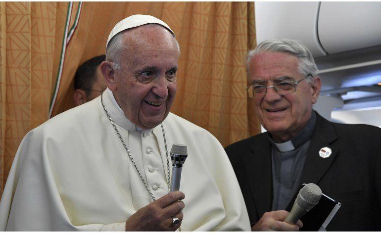 Papa: Iglesia debe una disculpa a los gays por marginarlos