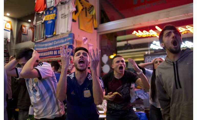 Chile sale a la calle para celebrar su segunda Copa América