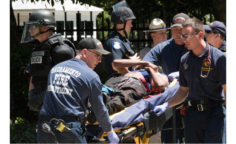 California: choques violentos en un acto nacionalista blanco