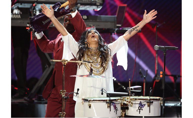 Premios BET llenos de homenajes a Prince, momentos políticos