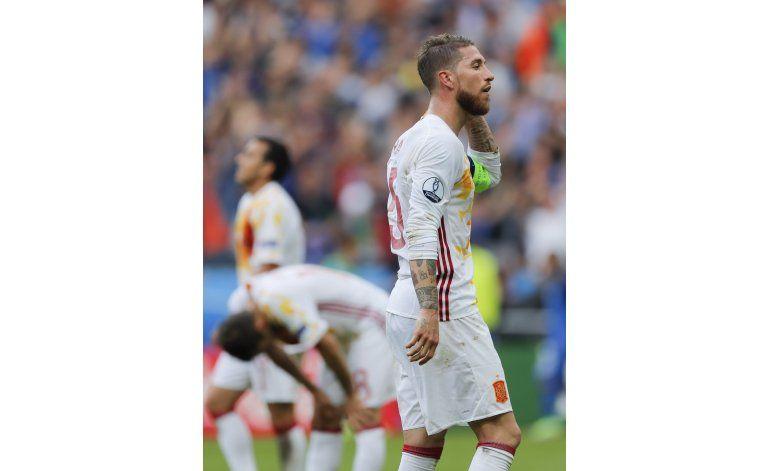 Italia destrona a una marchita España en la Eurocopa