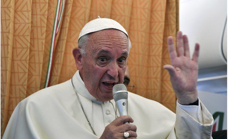 Benedicto XVI agradece al papa por énfasis en misericordia