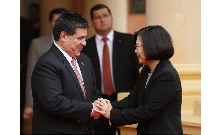 Presidente paraguayo se reúne con nueva mandataria taiwanesa