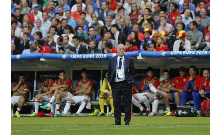 España busca renovarse tras otra prematura eliminación