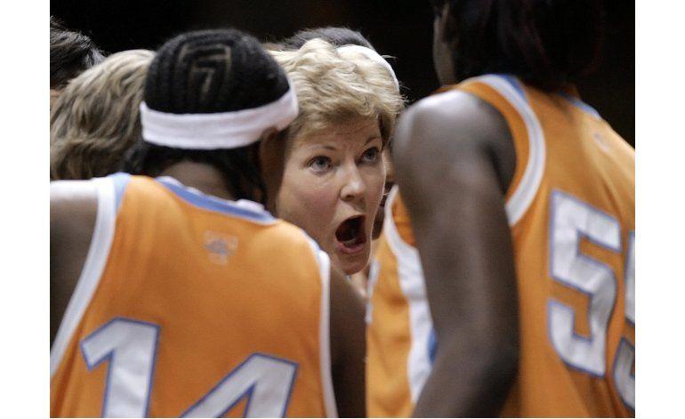 Fallece exitosa entrenadora de basquetbol Pat Summitt