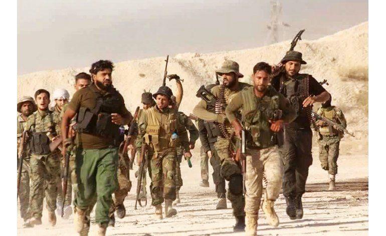 Combatientes del EI rechazan ofensiva de rebeldes sirios