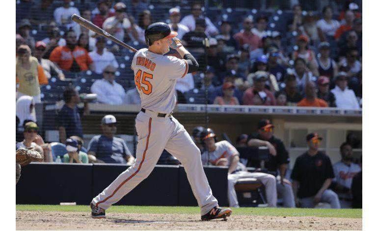 Trumbo llega a 23 jonrones; Orioles doblegan a Padres