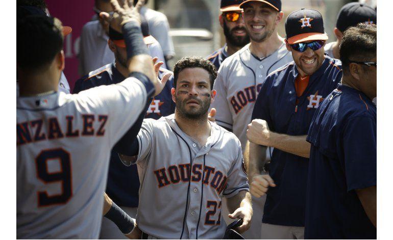 Altuve suma 4 hits y 4 anotadas en la victoria de Astros