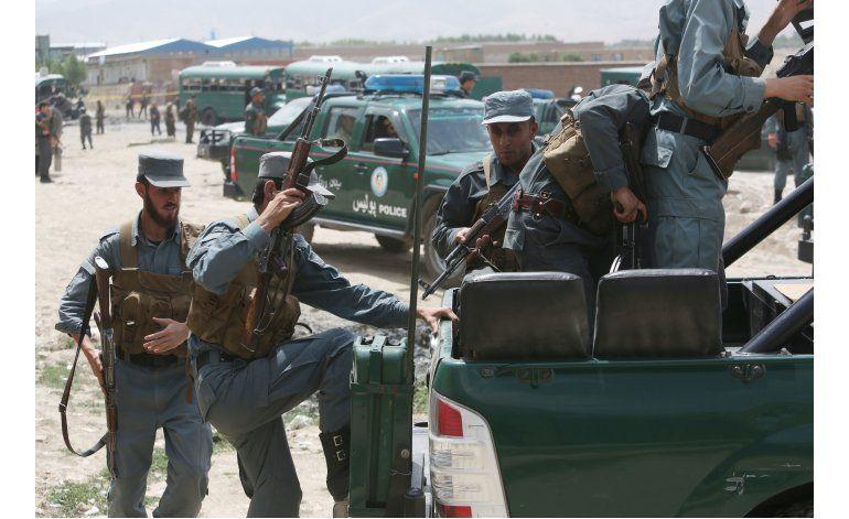 Afganistán: 37 muertos en ataque suicida contra la policía