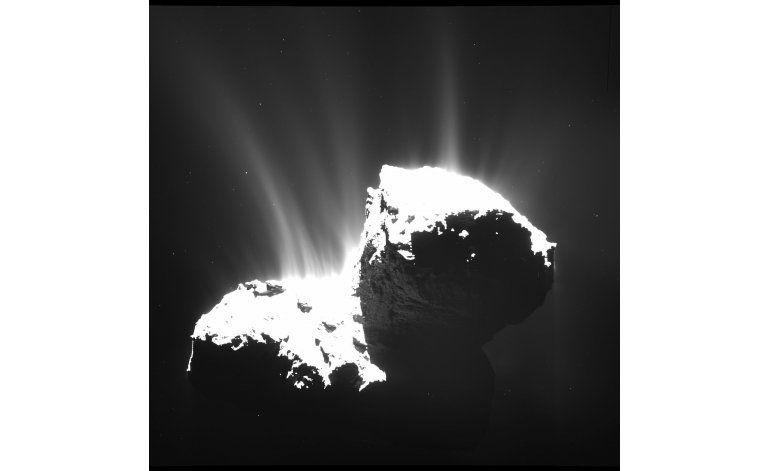 Sonda Rosetta descenderá en cometa en tres meses
