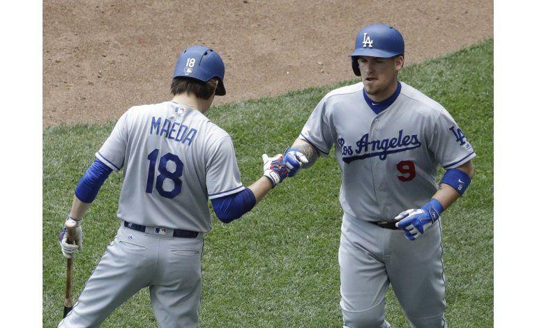 Dodgers pegan 3 jonrones y arrollan a Cerveceros