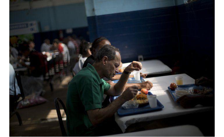 Comedores populares de Río cierran por crisis financiera