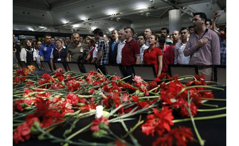 Extremista checheno planeó ataque a aeropuerto de Estambul