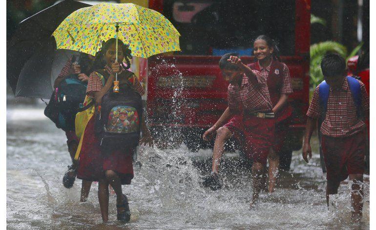 Al menos 18 muertos por fuertes lluvias y deslaves en India