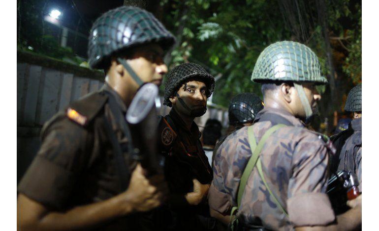 Rescatan a 13 de restaurante de Bangladesh