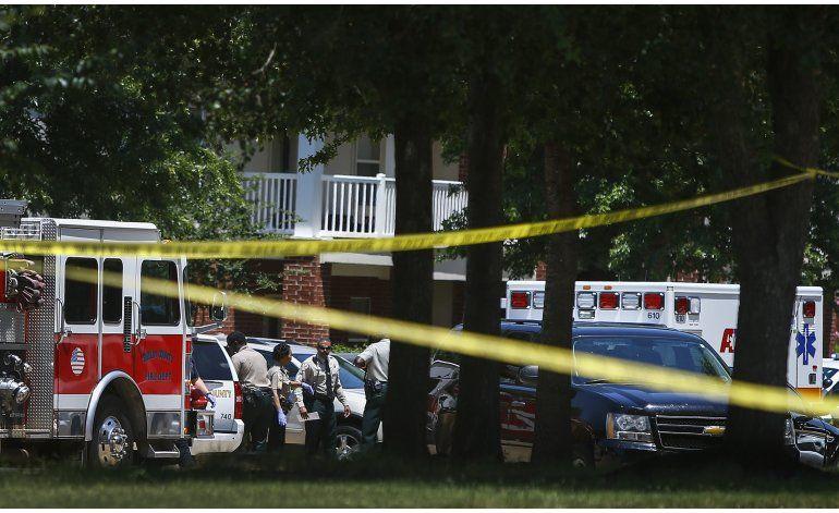 4 niños mueren apuñalados en Memphis; madre detenida