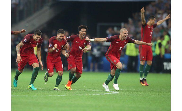 Portugal y Cristiano caminan por la cornisa