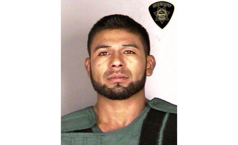 Acusado de asesinatos en Oregon había sido deportado 6 veces