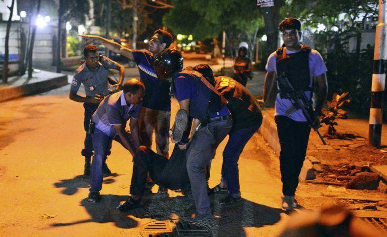 Dos muertos y más de 20 personas secuestradas en ataque en Bangladesh