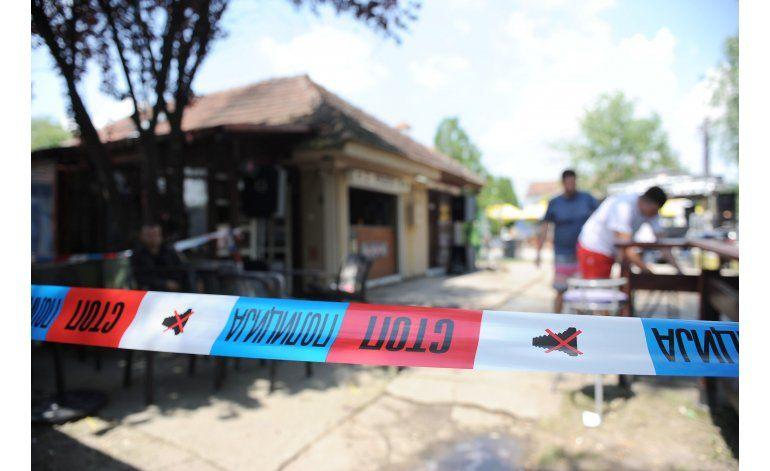 Cinco muertos, 20 heridos en tiroteo en una cafetería serbia