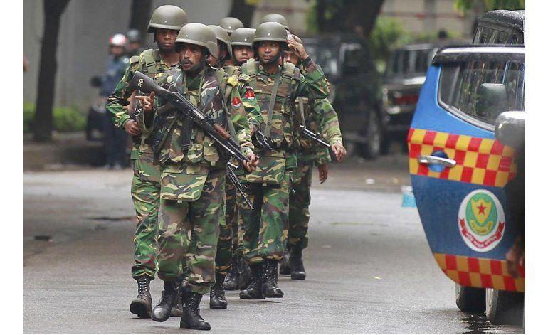 Ataque en Bangladesh deja 28 muertos, incluidos 20 rehenes