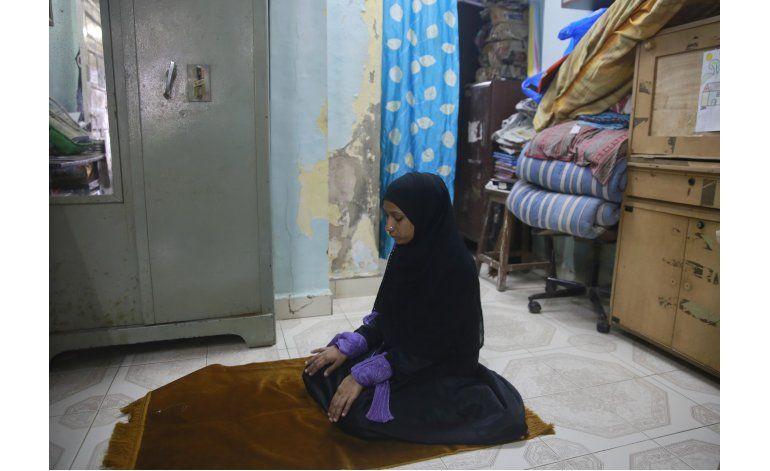 Mujeres hacen campaña contra divorcio instantáneo en India