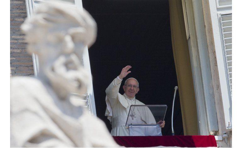 El papa ora por las víctimas de ataques en Bangladesh e Irak