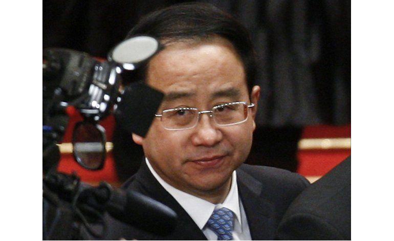 Cadena perpetua a asesor de ex líder chino por sobornos