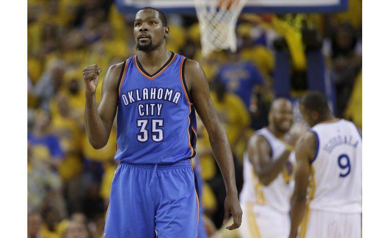 Durant deja al Thunder; integraría una potencia con Warriors
