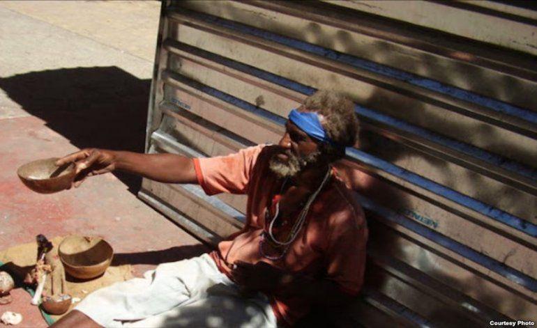 Rareza en la TV cubana: transmiten reportaje sobre los deambulantes (indigentes)