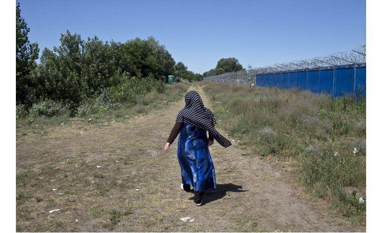 Hungría tendrá consulta sobre cuotas migratorias en octubre