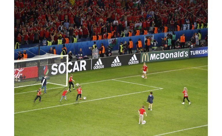 UEFA pone alto a festejos con niños en la cancha