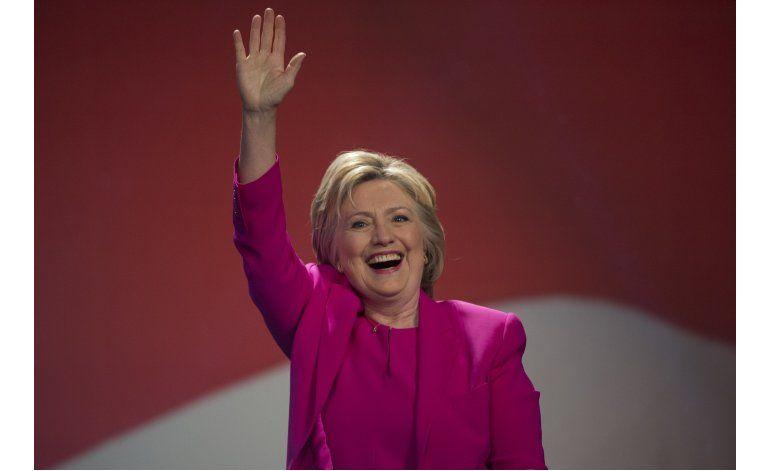 FBI no recomienda cargos en caso de correos de Clinton