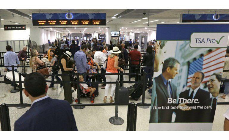 EEUU: Computadoras, no humanos, revisarán equipaje de mano