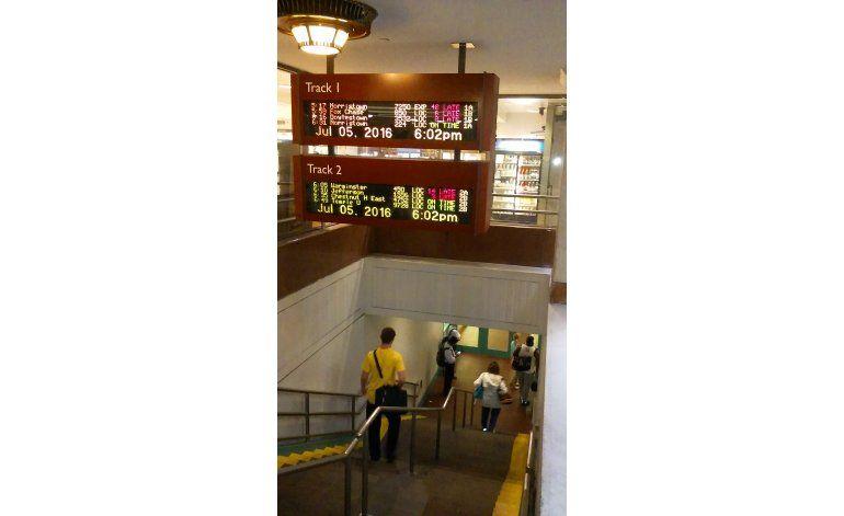 Filadelfia prevé segundo día de caos en servicio de trenes