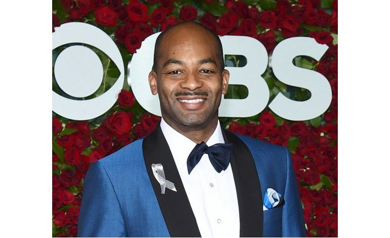 Hamilton nombra reemplazos de actores salientes