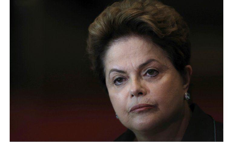 Dilma Rousseff dice que juicio político es una farsa