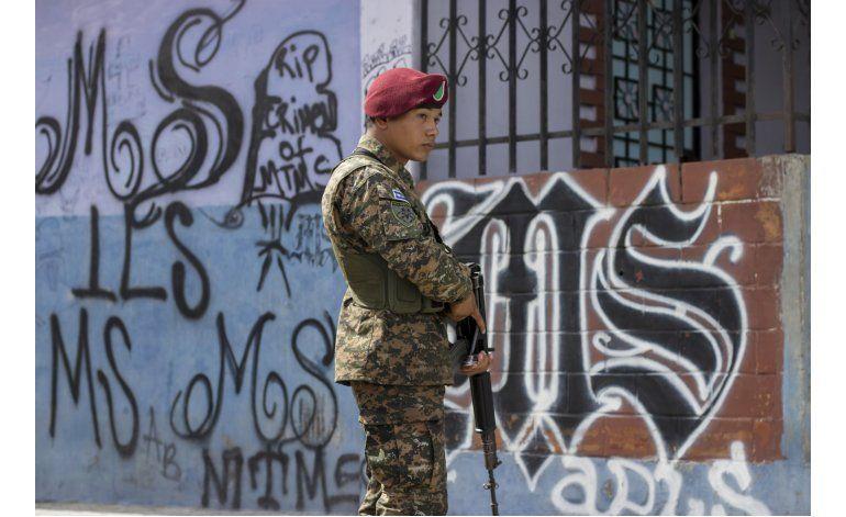 El Salvador despliega fuerzas especiales contra pandillas