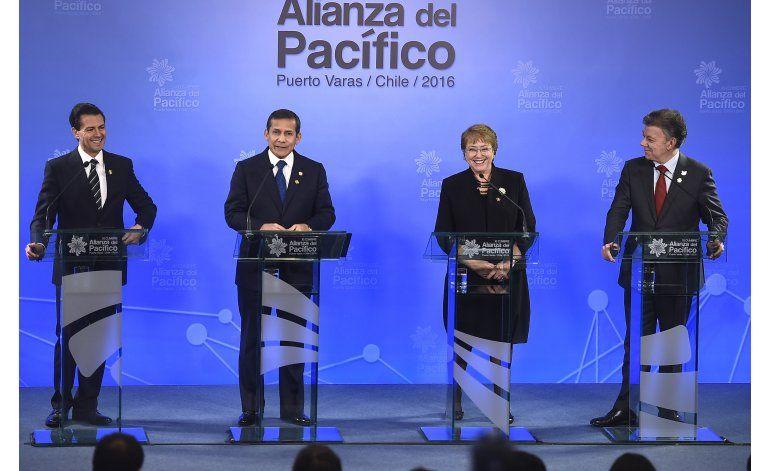 Santos insiste en la reapertura de la frontera con Venezuela