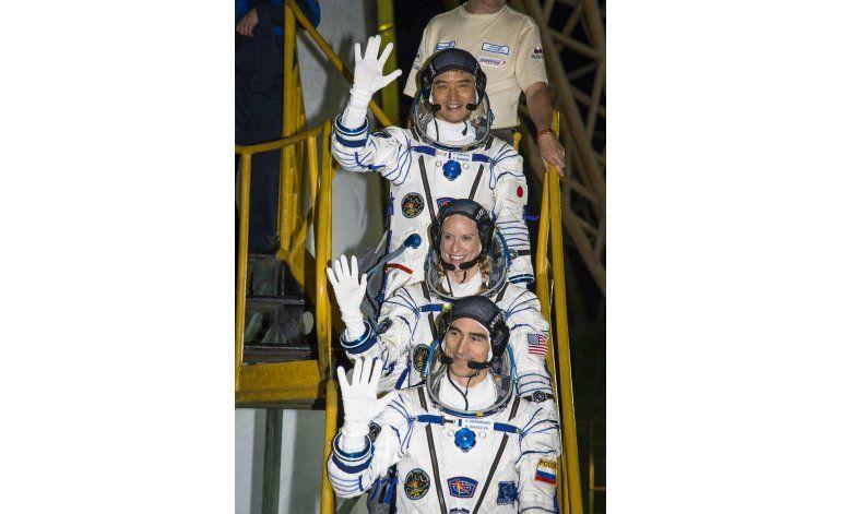Cápsula Soyuz parte hacia la Estación Espacial