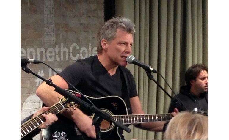 Jon Bon Jovi canta en una boda Livin on a Prayer