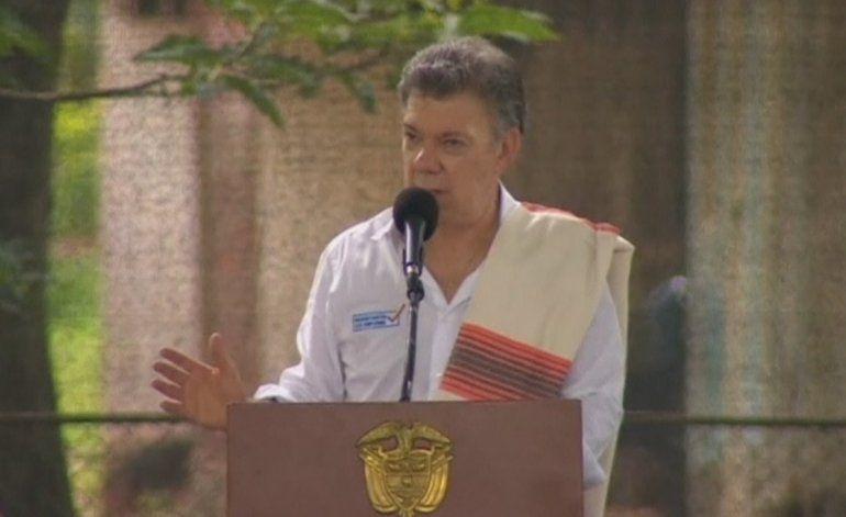 Juan Manuel Santos exhortó a Nicolás Maduro abrir la frontera entre ambos países
