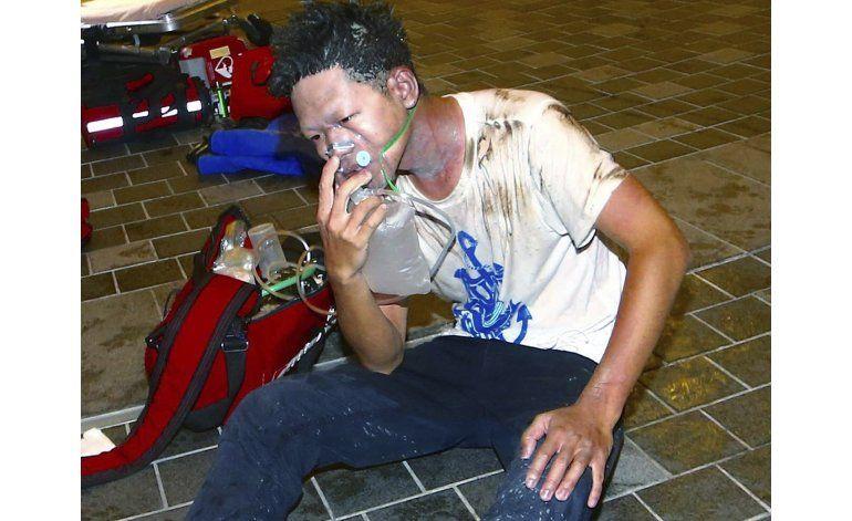 Suman 24 heridos por explosión en tren suburbano en Taiwán