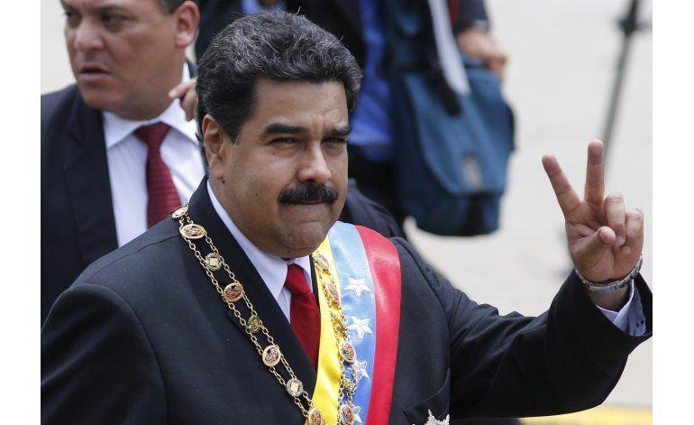 Maduro ratifica al ministro de Defensa y a otros militares
