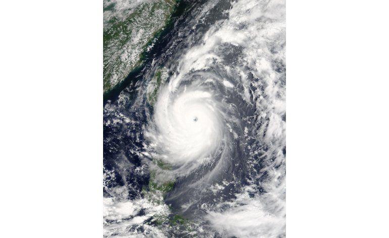 Taiwán restaura parte de la electricidad tras un tifón