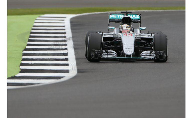 Hamilton domina las prácticas del GP de Gran Bretaña